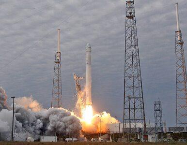 Czarny dym nad Przylądkiem Canaveral. Rakieta SpaceX eksplodowała przed...