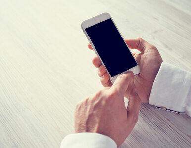 Ekran smartfona jest siedliskiem zarazków. Jak często czyścić telefon?
