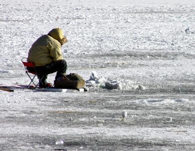 Mazury: wędkarz wszedł na lód i zginął