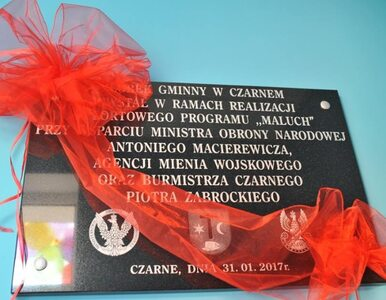 W żłobku na Pomorzu pojawiła się tablica na cześć Antoniego Macierewicza