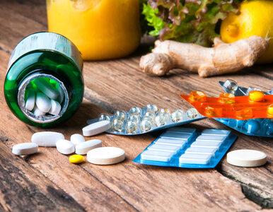 Jakimi lekami i suplementami warto wspomóc leczenie COVID-19?