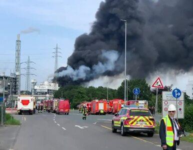 Silna eksplozja w Leverkusen. Nad miastem widać kłęby dymu