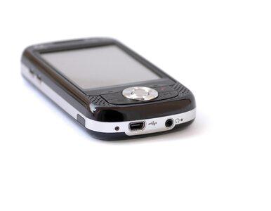 Coraz więcej Polaków korzysta z mobilnej bankowości