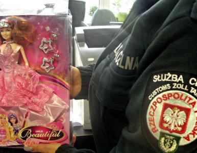 Rakotwórcze lalki z Chin trafiły do Polski. Zostały przejęte przez...