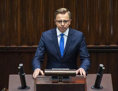"""Poseł przerwał konferencję Szumowskiego i pytał o 70 mln zł. """"Rozliczę..."""