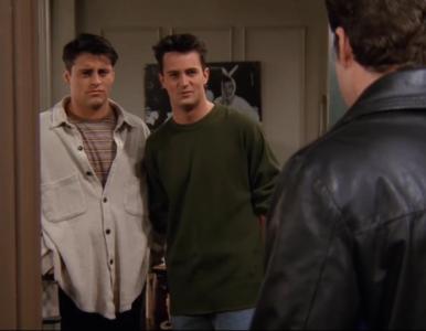 """""""Przyjaciele"""" – quiz z serialu. Jak Chandler pozbył się Eddie'ego?"""