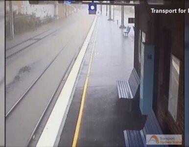 Woda zalewa stację kolejową w Sydney. Skutek gwałtownych burz