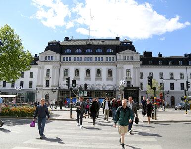 """Szwedzi luzują obostrzenia, Duńczycy zaostrzają. """"Uniknęliśmy efektu..."""