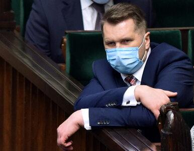 Minister edukacji naciskał na szczepienia wykładowców? Polityk z rządu:...