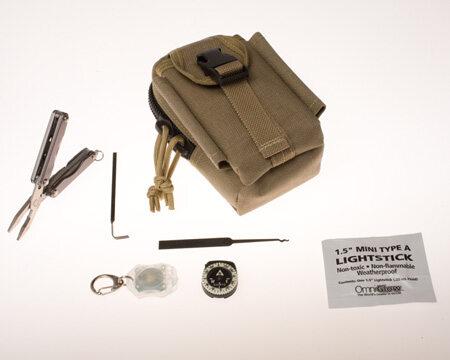 Zestaw survivalovy (fot.CIA)