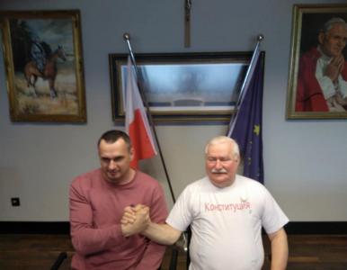 """Już nie """"konstytucja"""". Lech Wałęsa zaskoczył nową koszulką"""