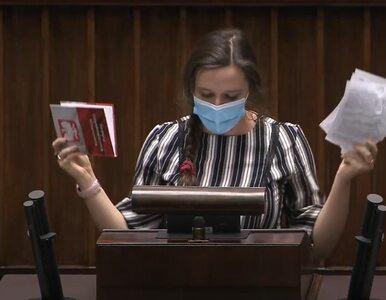 Klaudia Jachira w Sejmie podarła Konstytucję RP. Zaskakujący komentarz...