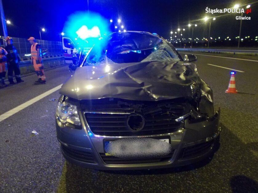 Samochód, którym podróżował policjant