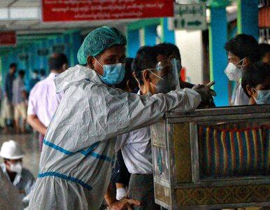 Tragiczna sytuacja służby zdrowia w Birmie. Mieszkańcy przed domami...