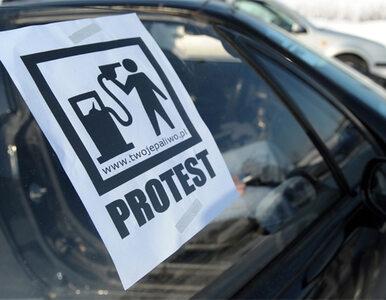 """""""Niech rząd wie, że żyje się gorzej"""". Masowe protesty przeciw cenom benzyny"""