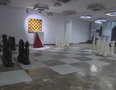 Wyborcze szachy. Aranżacja lokalu przyciąga wyborców
