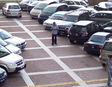 Sąd: zostawiasz bilet parkingowy za szybą auta? Nie musisz tego robić