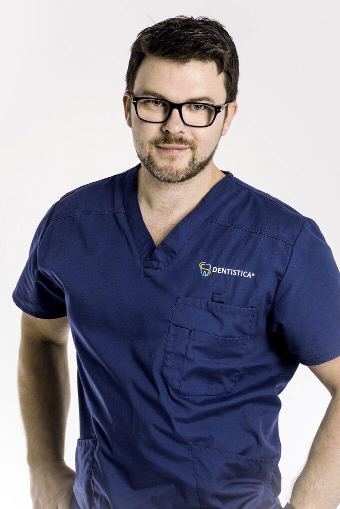 Dr n. Med. Michał Pelc, Lekarz Stomatolog, Kierownik Medyczny IWłaściciel Kliniki Stomatologicznej Dentistica WWarszawie
