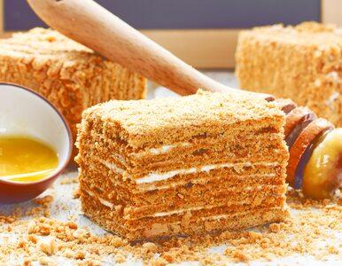 Miodownik: przepis na genialne ciasto na bazie miodu