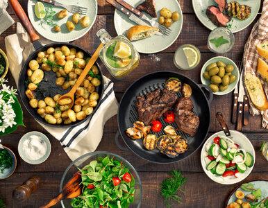 Jak usunąć nadmiar tłuszczu z potraw? Oto sprawdzone domowe patenty