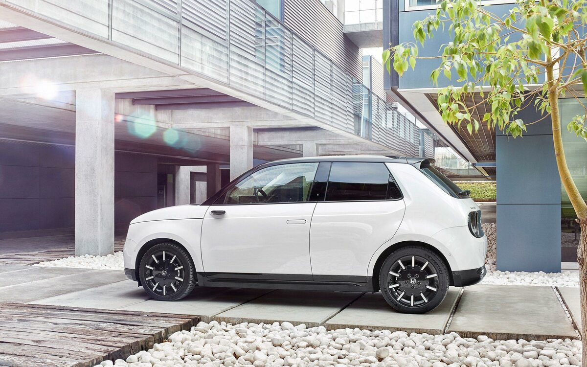 Honda e. Samochód elektryczny