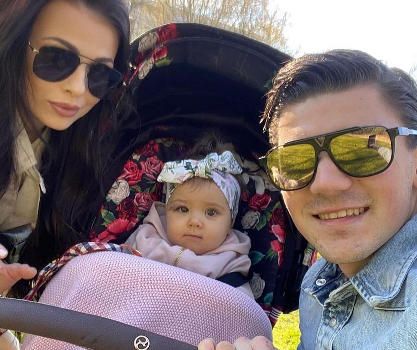 Aleksandra Adamczak, Dawid Kownacki i córeczka pary