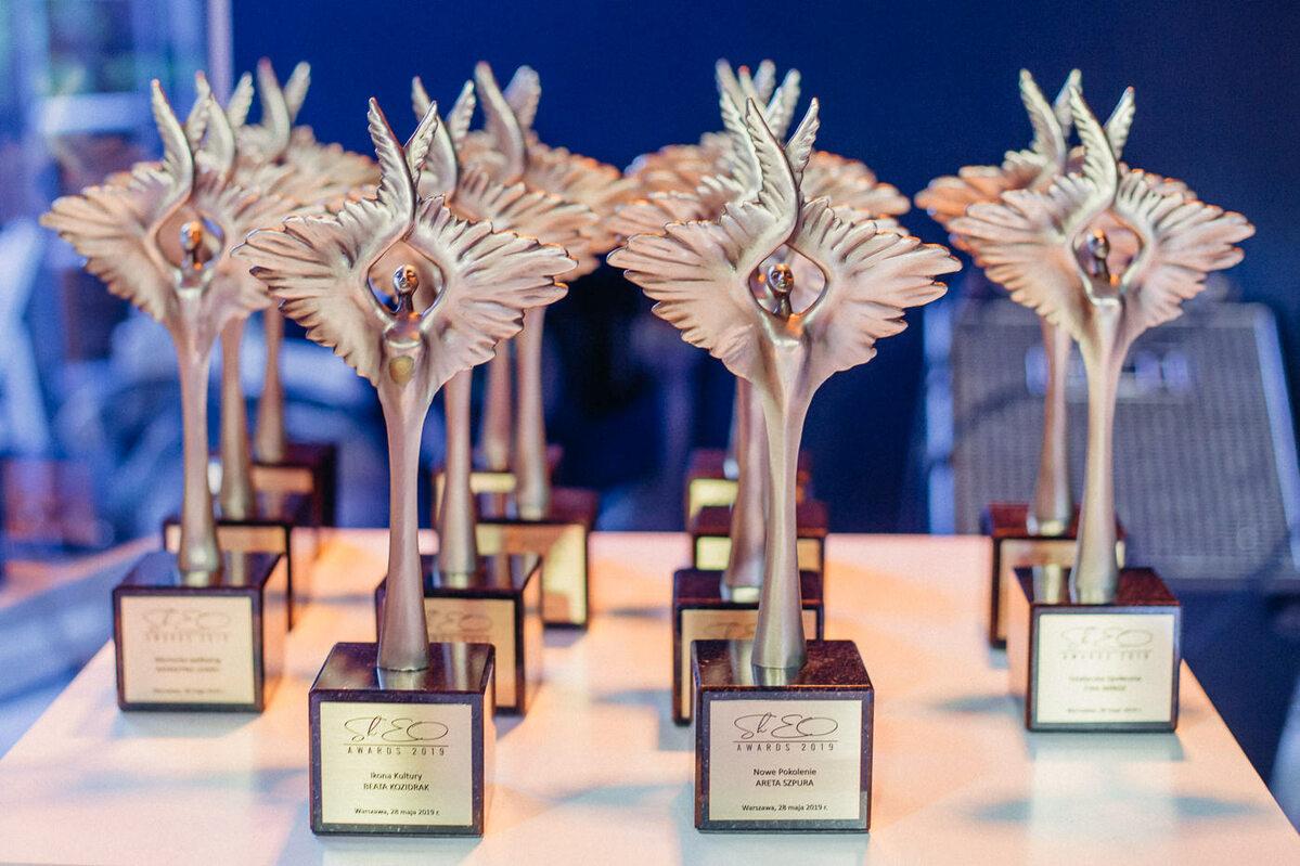 Statuetki ShEO Awards