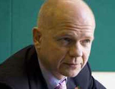 Hague wzywa do dezercji ludzi z otoczenia Kadafiego