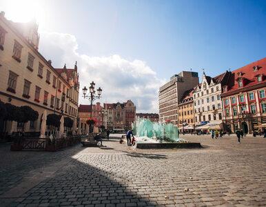 Profesor UWr opisała pobyt młodych Niemców na wrocławskim komisariacie....
