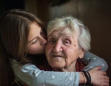 Jak opiekować się rodzicem z otępieniem? Przyda się wiedza, jak starzeje...