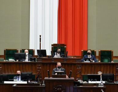 """Morawiecki bronił Kamińskiego w Sejmie. Mówił o """"brutalnych..."""