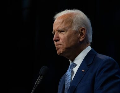 Joe Biden pocałował w usta 19-letnią wnuczkę. W sieci zawrzało