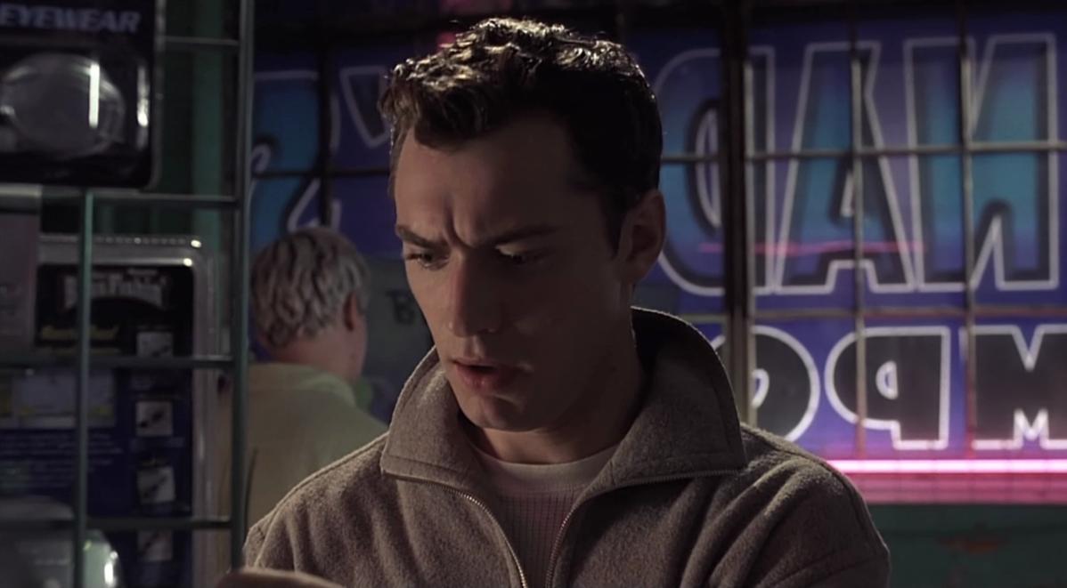 """Jude Law w filmie """"eXistenZ"""" (1999)"""