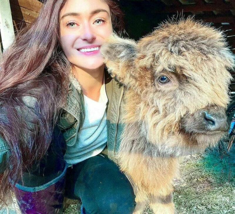 Adri Rachelle i jej zwierzak