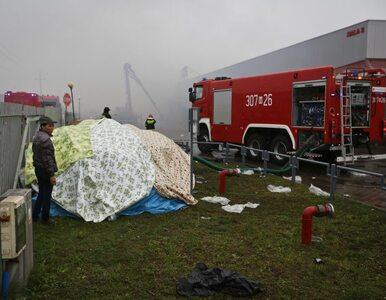 Czemu spłonęła hala w Wólce Kosowskiej? Nie dowiemy się jeszcze przez...
