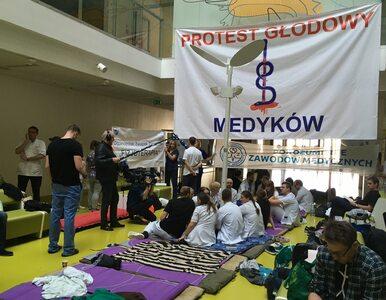 Kowalczyk i Karczewski na spotkaniu z protestującymi lekarzami. Przekaże...