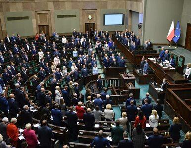 Sondaż sprzed rozłamu w ZP: Cztery partie w Sejmie, PiS traci poparcie....