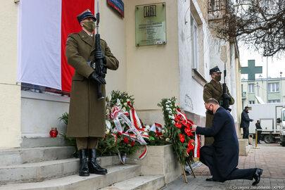 Prezydent i premier na obchodach Narodowego Dnia Pamięci Żołnierzy...
