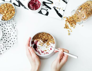 7 pomysłów na wysokobiałkowe śniadania, które dodadzą energii na cały dzień