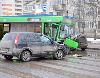 Szczecin: Wypadek miejskiego autobusu. 11 osób trafiło do szpitala
