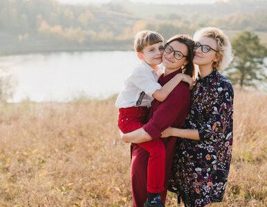 Naukowcy: Dzieci wychowywane przez pary jednopłciowe lepiej radzą sobie...