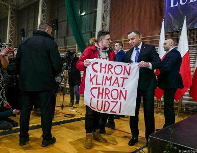 Nastolatkowi zabrano transparent. Interweniował Andrzej Duda