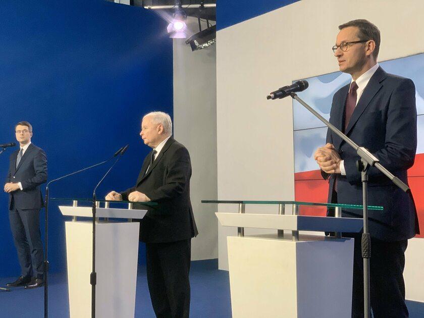 Jarosław Kaczyński i Mateusz Morawiecki na konferencji prasowej