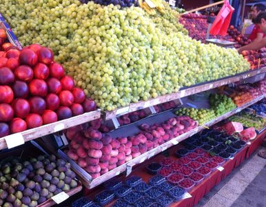 Uwaga na groźną chorobę! Można się zarazić jedząc niemyte owoce