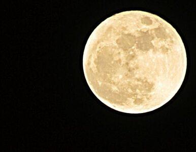 Księżyc nam się kurczy