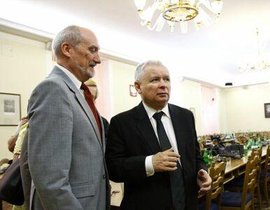 Mniej Macierewicza, więcej gospodarki - PiS planuje jesienną ofensywę