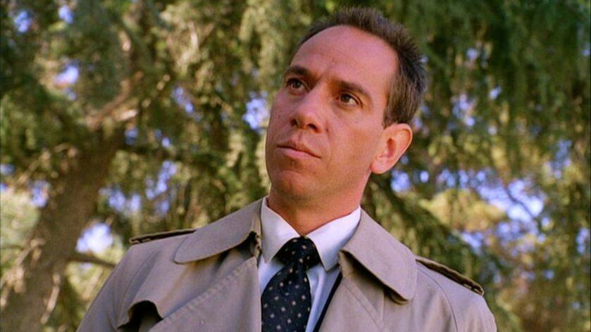 Miguel Ferrer (Agent FBI Albert Rosenfield)