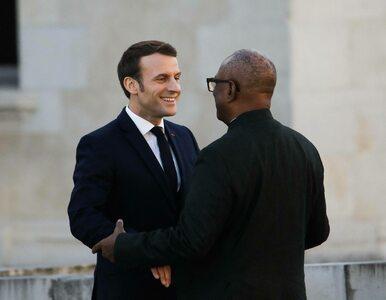 Zbuntowani żołnierze pojmali prezydenta i premiera. Macron potępił próbę...