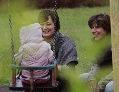 """""""Dwie matki"""". Dokument HBO opowie o nieheteronormatywnym rodzicielstwie..."""