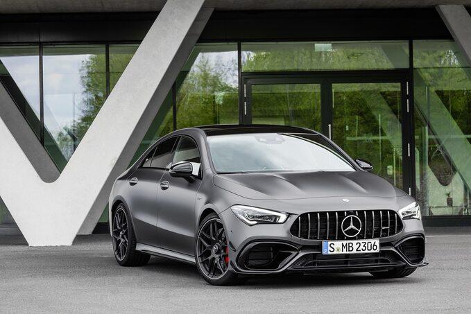 Mercedes-AMG A45 4MATIC+ iMercedes-AMG CLA 45 4MATIC+